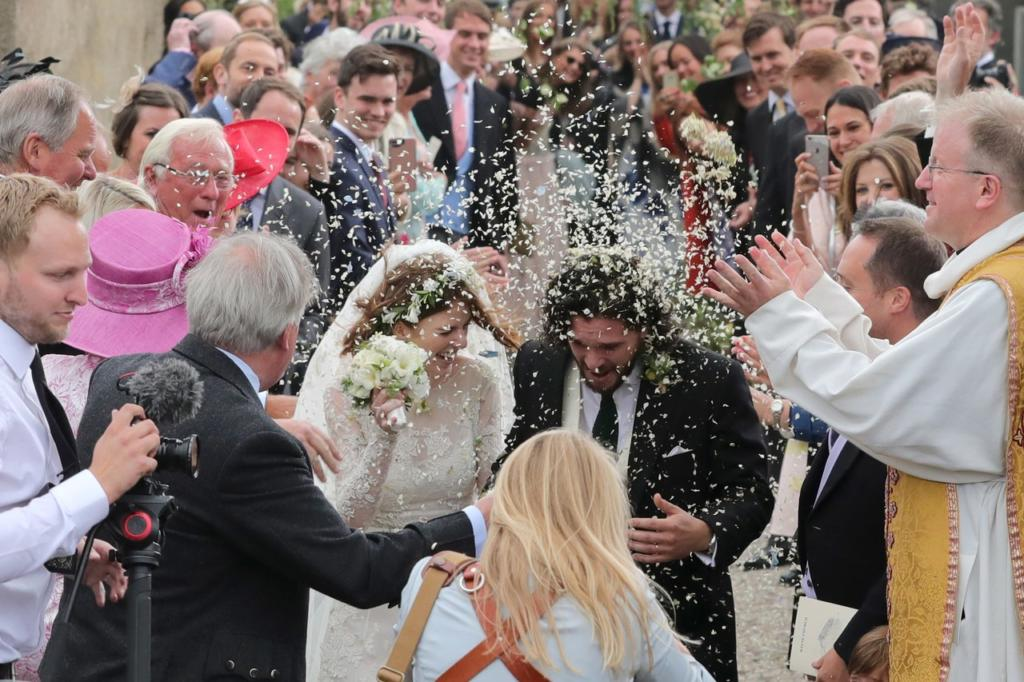 Kit Harrington and Rose Leslie just got married.