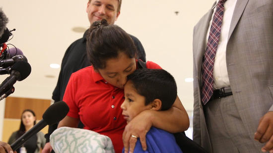 Zero Tolerance Policy:Guatemalanimmigrant sues Trumpadministrationforchildcustody.